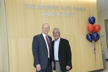 College of Pharmacy Dean Rick Schnellmann, PhD, and donor Richard Katz.