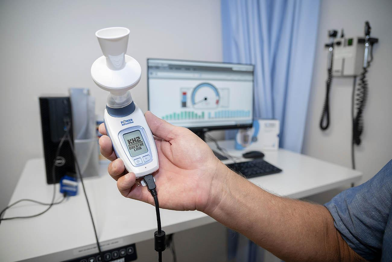 The K2 PowerBREATHE training device contains a valve that offers resistance to the participant's inhalations. An on-board computer records each training breath and tracks the patient's overall progress.