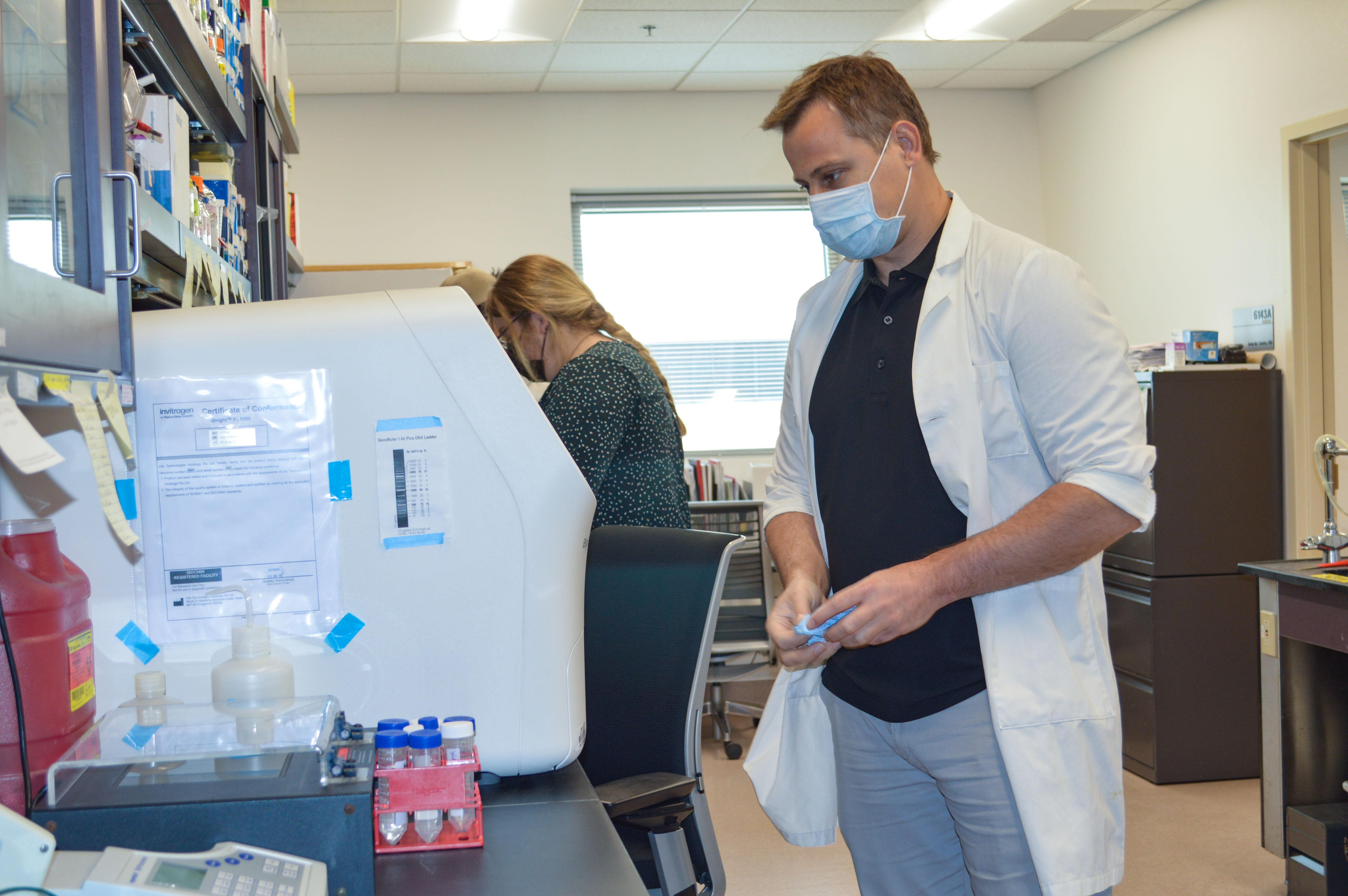 Jared Churko, PhD, assistant professor of cellular and molecular medicine in the College of Medicine – Tucson and director of the University of Arizona induced Pluripotent Stem Cell (iPSC) Core, used stem cells to evaluate the impact of blood pressure medications on SARS-CoV-2.